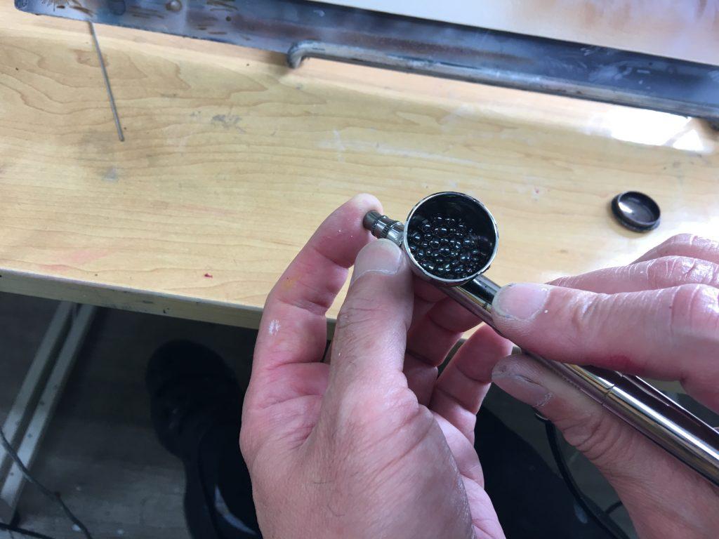 エアブラシ塗料Brusherアクアの混ぜ方